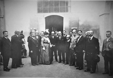 1915 isabel de borbon visita la escuela de arte dionisio ortiz